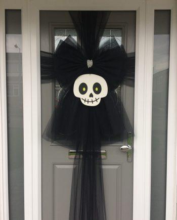 Black Halloween Skull Deluxe Door Bow Decoration